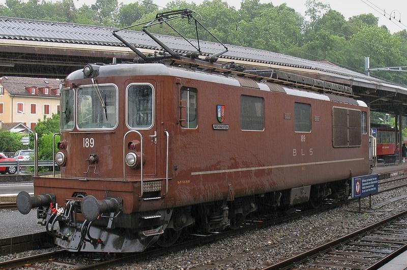 """Roco 73818 BLS Re 4/4, Betriebsnummer 189, Wappen """"Niedergestein"""""""