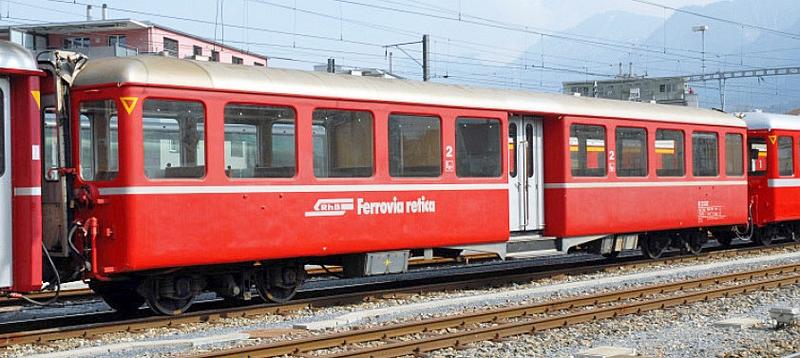 Bemo 3245 121 RhB Personenwagen B 2301 mit Mitteleinstieg