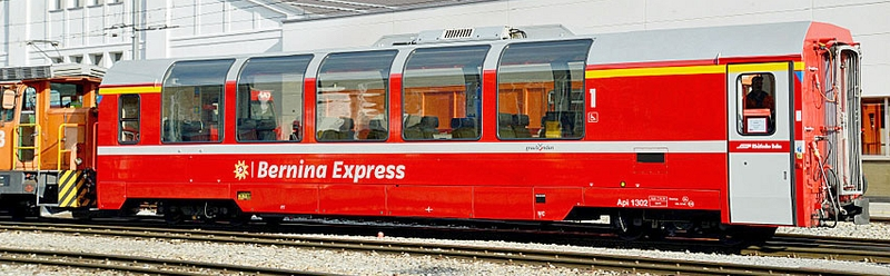 """Bemo 3293 145 RhB Panoramawagen Api 1305 1. Klasse des """"Bernina Express"""""""