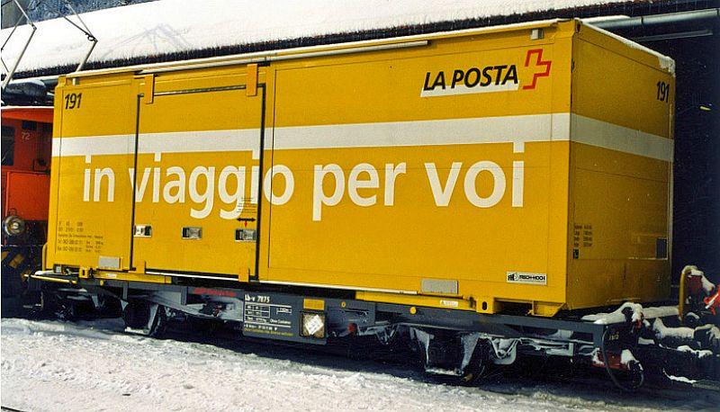 Bemo 2269 106 RhB 2-achsiger Tragwagen mit Post-Container