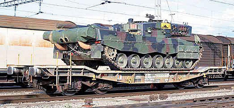 Piko 96689 SBB Panzertransportwagen Slmmnps mit Panzer 87