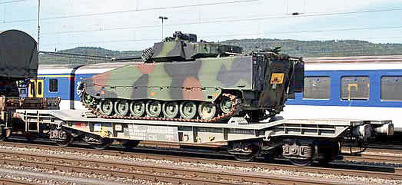 Piko 96690 Panzertransportwagen Slmmnps-y mit Schützenpanzer